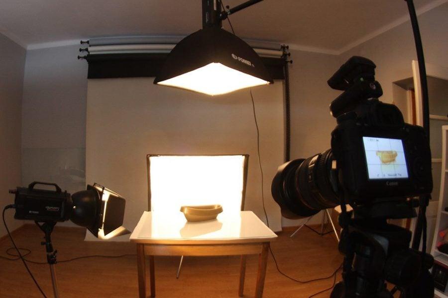 ustawienie oświetlenia podczas fotografii produktów z tworzyw sztucznych